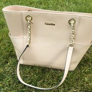Nice peach Calvin Klein designer women's handbag